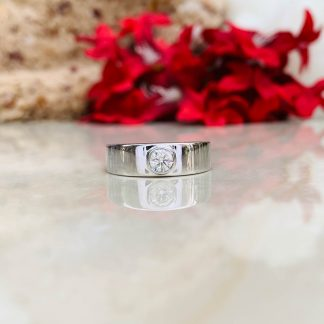 Solitaire Seal Moissanite Ring